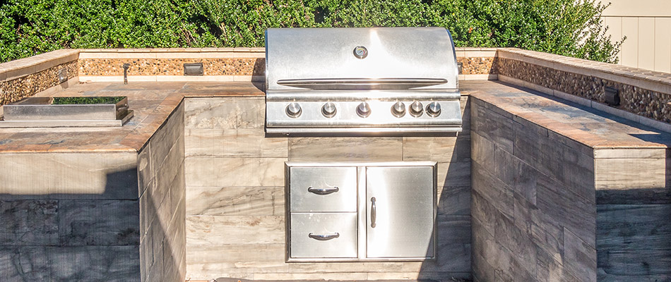 Improve Your Landscape with a New Outdoor Kitchen