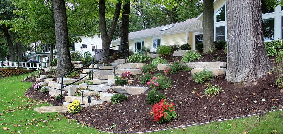 Custom landscape mulch and plant bed in Grand Rapids, MI.