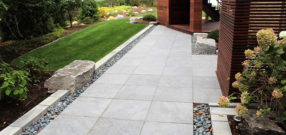 Custom outdoor patio in Grand Rapids, MI.